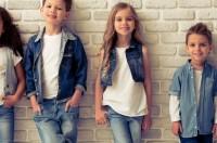 Kind_Kleidung_Schminke_Grundschule