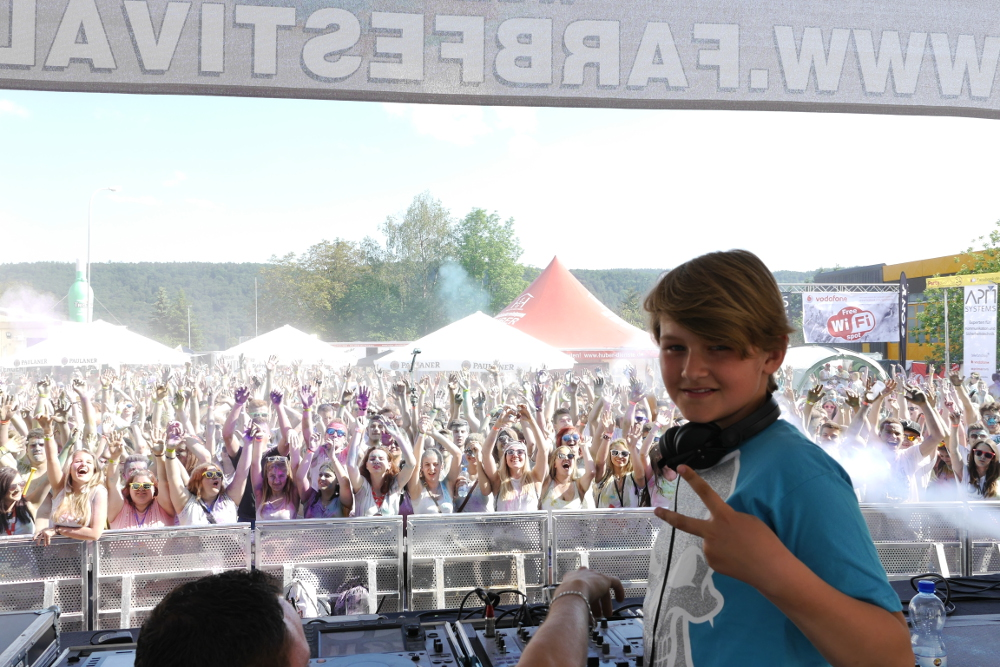 Damon_Wick_Deutschlands_juengster_DJ_Holi_Farbfestival.